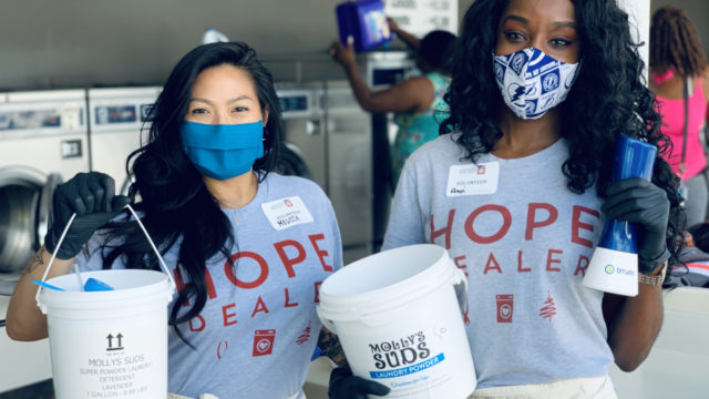 Tampa Bay bartenders and laundry non-profit join forces in pandemic fight
